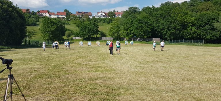 Der Wettkampf wurde auf 7 Scheiben in Entfernungen zwischen 20 bis 70 Metern ausgetragen.